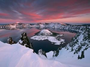 crater-lake_2107_600x450